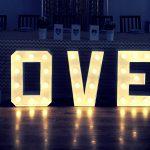Jak samemu zrobić świecący napis LOVE – DIY #2