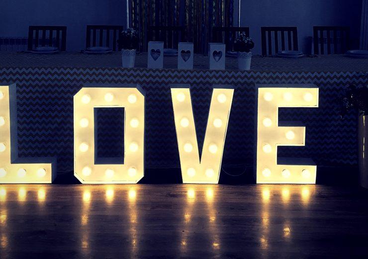 jak-zrobic-napis-love