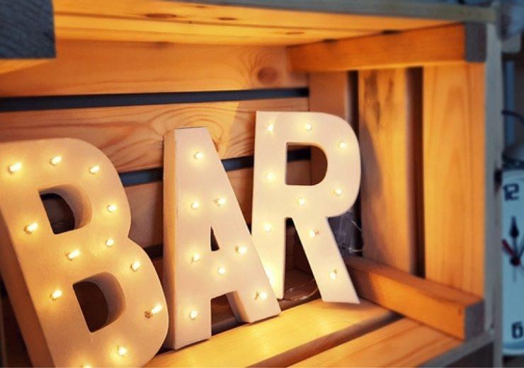 swiecacy-napis-bar-diy